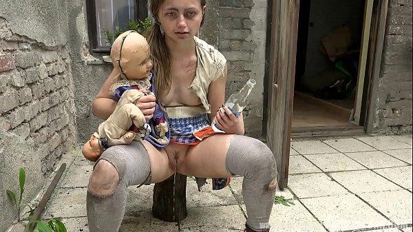 Incesto bizarro com pai e filha fazendo sexo