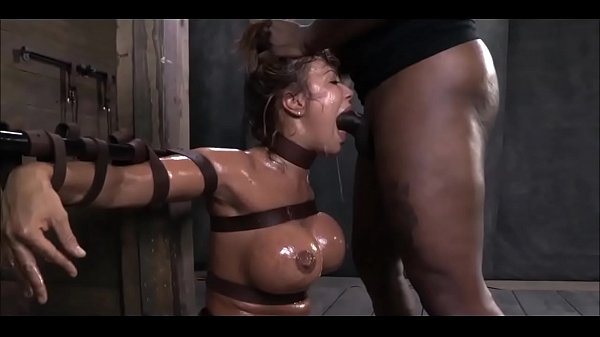 Porno bizarro do negão que amarra a puta e usa ela a vontade