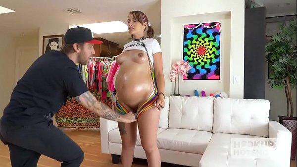 Novinha gravida tomando muito pau na bucetinha
