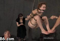 Novinha masoquista adora que arrombei seu cu com força