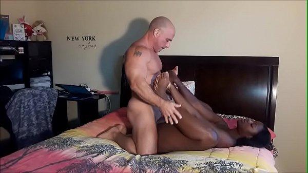 Xvideos de Sexo Oral devassa negra fodendo com tesão